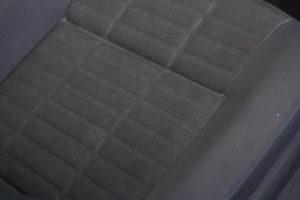 Autositz VOR der Reinigung | verdreckter Autositz